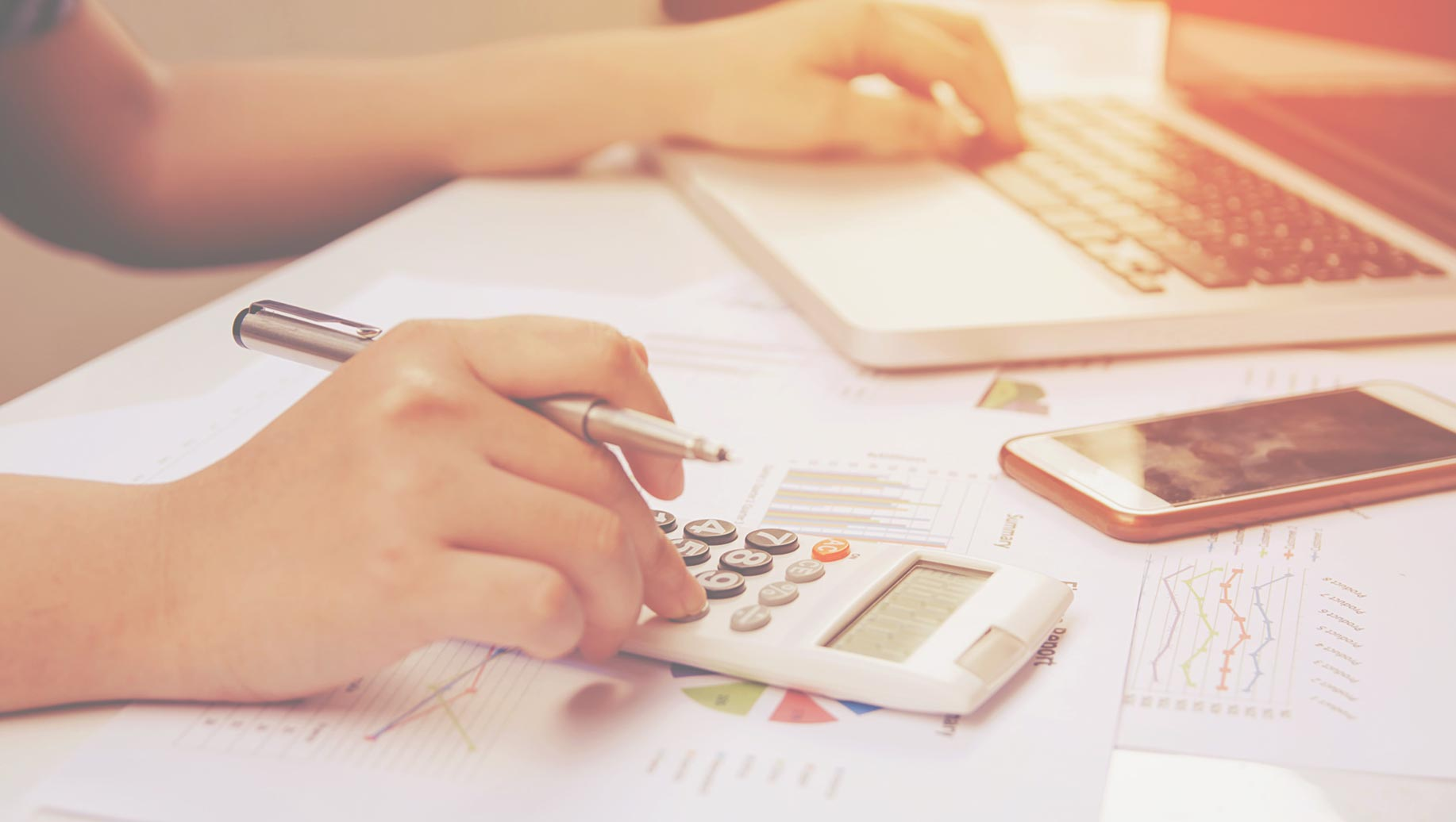 Insurance Agent Salary Ranges For 2019 (And How To Set One For Your Next Hire)